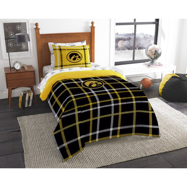 The Northwest Company Iowa Twin 5-piece Bed in a Bag with Sheet Set
