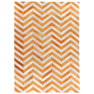 Exquisite Rugs Tangerine/White Leather Chevron Hair-on-hide Rug (9'6 x 13'6)