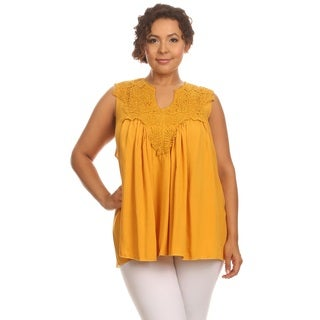 Hadari Woman's Plus size lace sleeveles top
