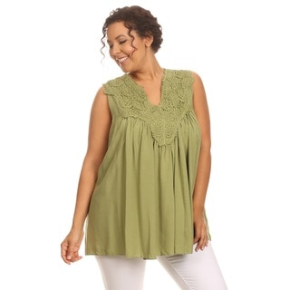 Hadari Woman's Plus size lace sleeveles top