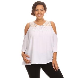 Hadari Woman's Plus size cold shoulder 3/4 sleeve top