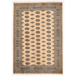 Herat Oriental Pakistani Hand-knotted Bokhara Wool Rug (5'7 x 8')