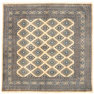 Herat Oriental Pakistani Hand-knotted Bokhara Wool Rug (6'8 x 6'8)