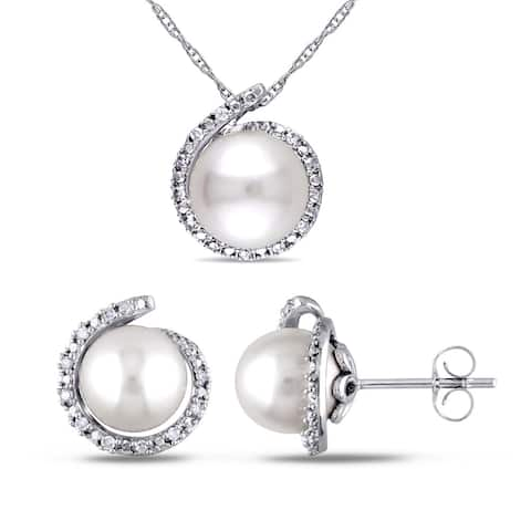 Miadora 10k White Gold 1/7ct TDW Diamond and Freshwater Cultured Pearl Halo Earrings and Necklace Set (G-H, I2-I3) (8-8.5mm)