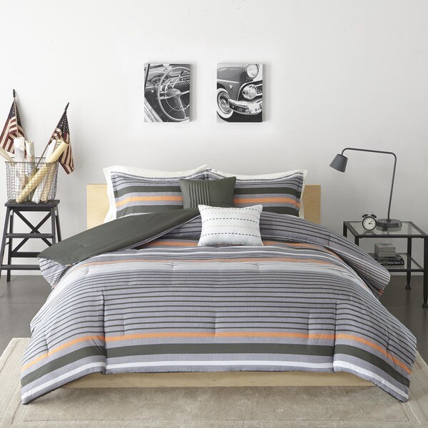 Intelligent Design Jason Green Comforter Set