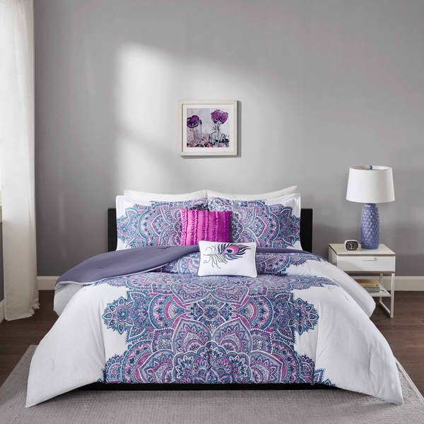 lea 6 8 comforter set in purple white bed bath shop intelligent design katarina purple comforter set on 794