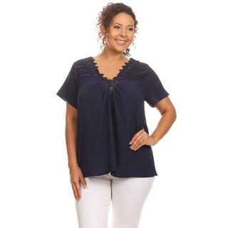 Hadari Woman's Plus size romantic lace top