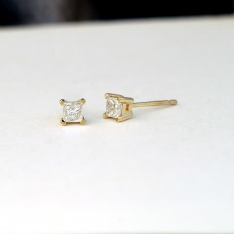 14K Diamond Stud Earring Yellow gold (1/4cttw H-I Color, I2 Clarity)