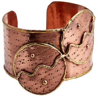 Handmade Two-tone Copper and Brass Two Circles Cuff Bracelet (India)
