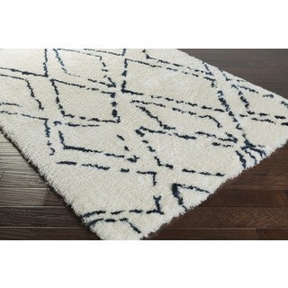 Hand-Tufted Vanna Navy and Ivory Abstract Plush Rug (5' x 7'6)