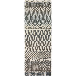 Hand Knotted Magaw New Zealand Wool Rug (6'7 x 9'10)