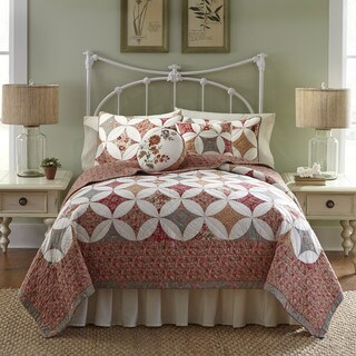 Nostalgia Home Mae Quilt (2 options available)