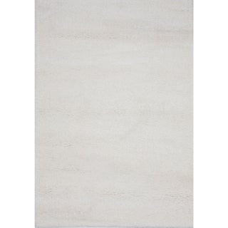 Alaskan White Shag Rug (8' x 10')