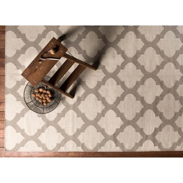Hand Woven Carvin Flatweave Wool Area Rug (8' x 11') - 8' x 11'