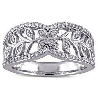 Laura Ashley 10k White Gold 1/4ct TDW Diamond Leaf Ring