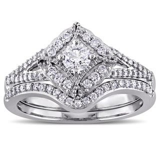 Laura Ashley 10k White Gold 5/8ct TDW Princess Cut Diamond Bridal Ring Set (G-H, I2-I3)