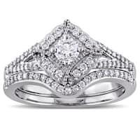 Laura Ashley 10k White Gold 5/8ct TDW Princess Cut Diamond Bridal Ring Set