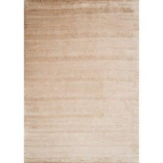 Hand-woven Grandeur Beige Viscose Rug (5'6 x 8'6)