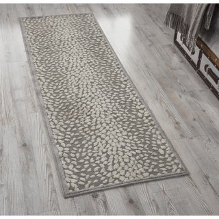 Nourison Graphic Illusions Grey Area Rug (1'10 x 6')