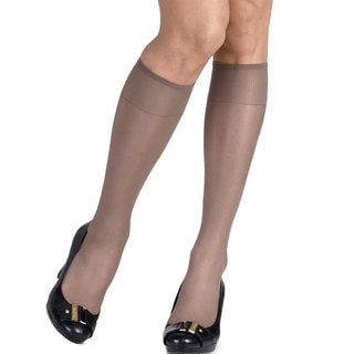 Silk Reflections Women's Silky Sheer Soft Taupe Knee Highs (Pack of 2)