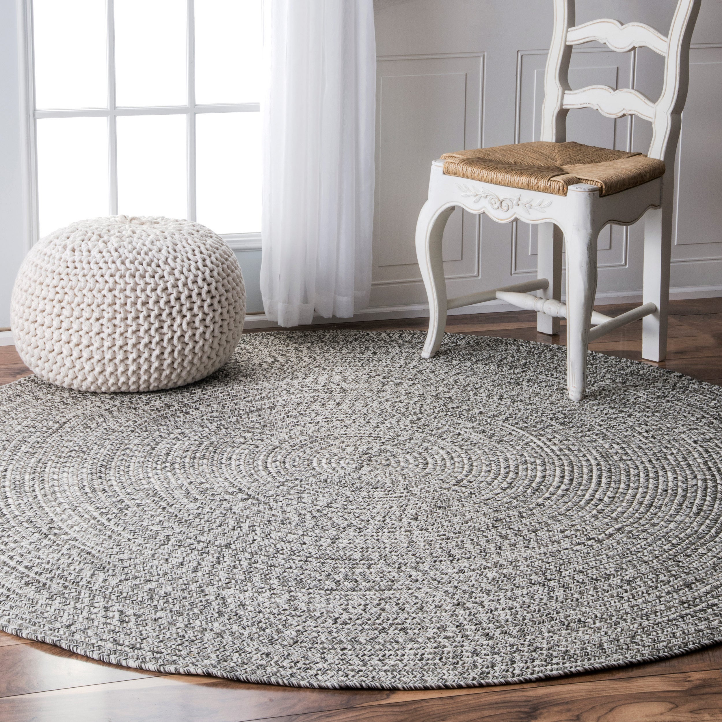 nuLOOM Handmade Casual Solid Braided Round Indoor/Outdoor Rug (6' Round)