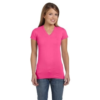Juniors' Hot Pink Cotton Jersey V-neck Longer Length T-shirt