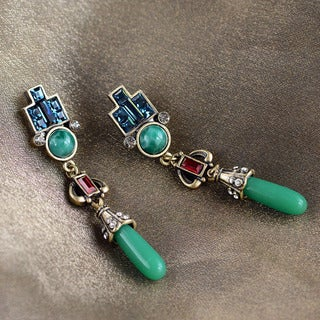 Sweet Romance Art Deco Vintage Jade Glass Earrings - Green