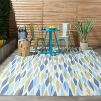 """Waverly Sun N' Shade Bits and Pieces Seaglass Indoor/ Outdoor Area Rug by Nourison (8'6 x 8'6) - 8'6"""" x 8'6""""square"""