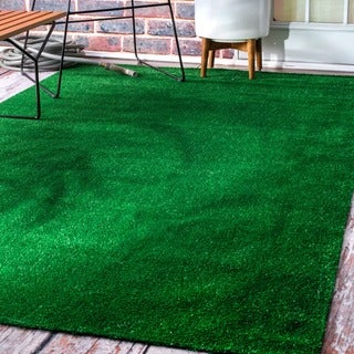 nuLOOM Artificial Grass Outdoor Lawn Turf Green Patio Rug - 6'7 x 9'