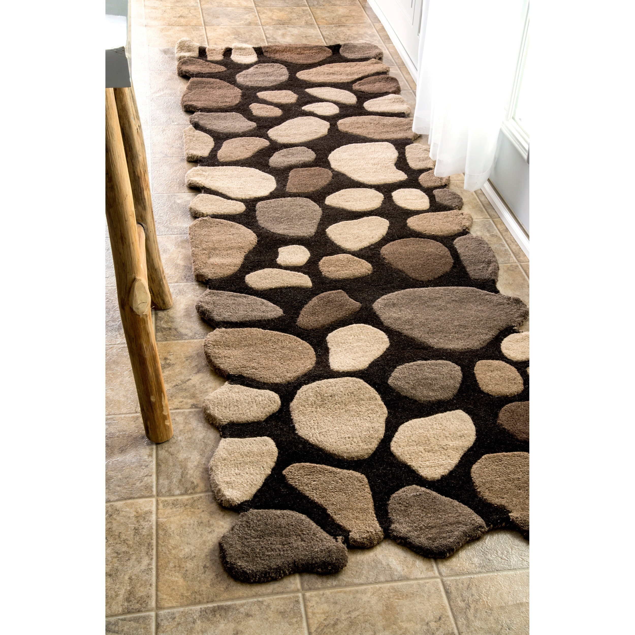 nuLOOM Hand-carved Stones and Pebbles Wool Runner Rug (2'...