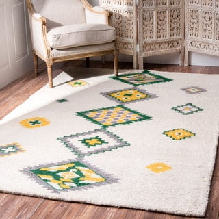 nuLOOM Handmade Wool Tribal Diamond Green Rug (7'6 x 9'6)