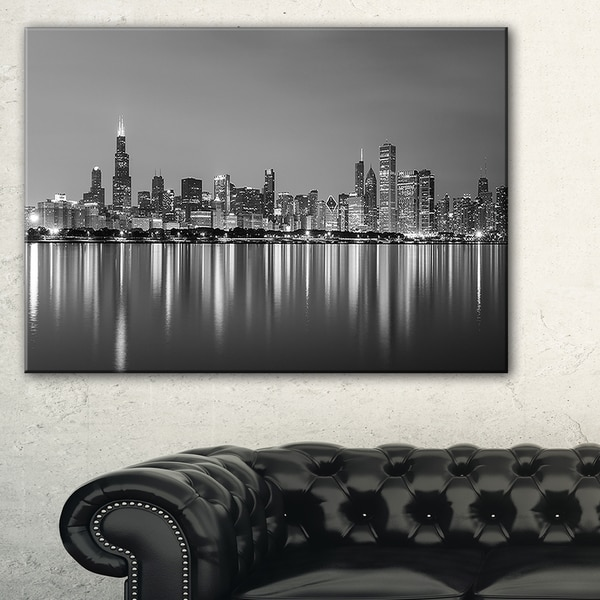 Designart New York City Skyline Panorama 5 Piece Wall: Chicago Skyline At Night Black And White