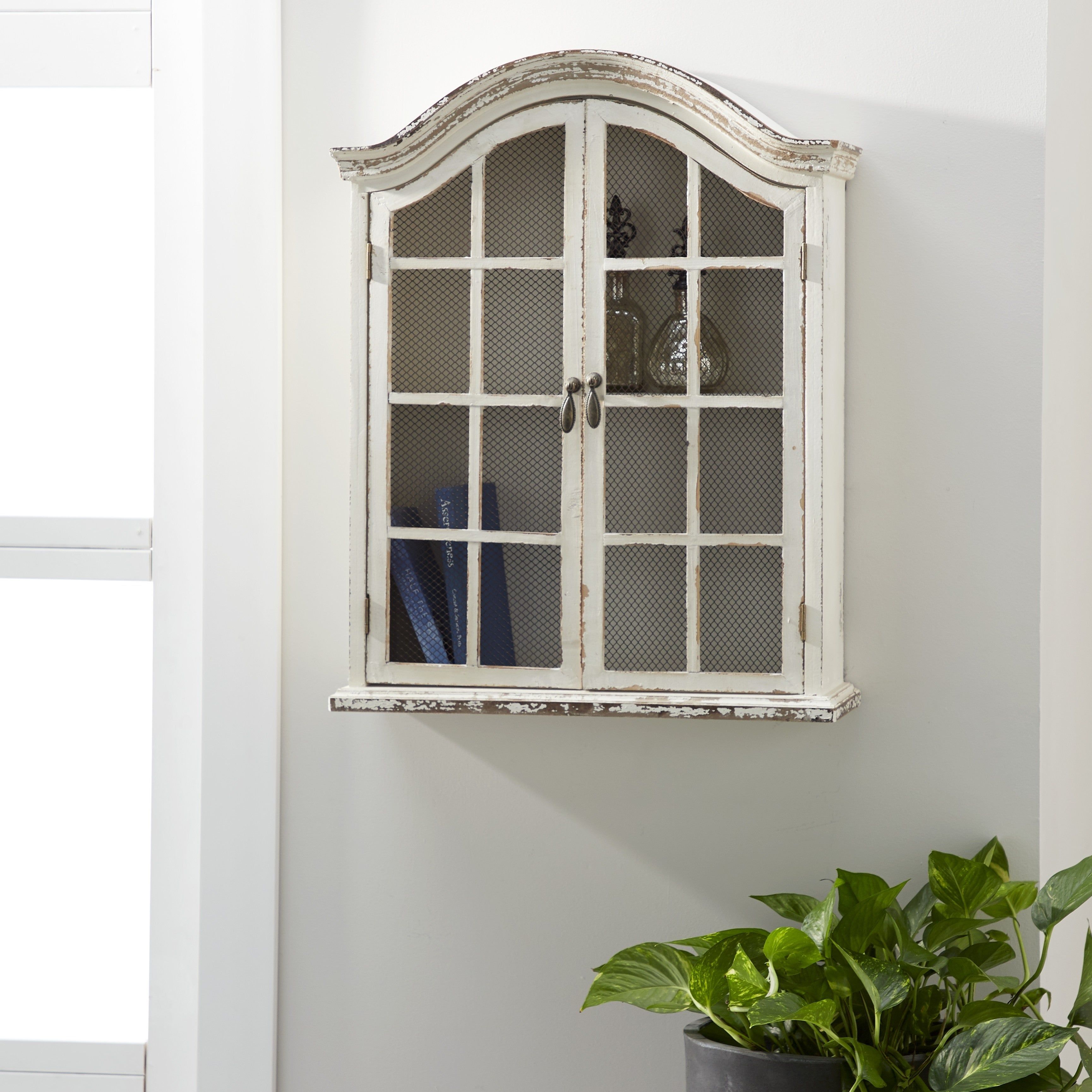 Studio 350 Farmhouse 28 In 2 Door White Arched Wall Cabinet Overstock 12215375