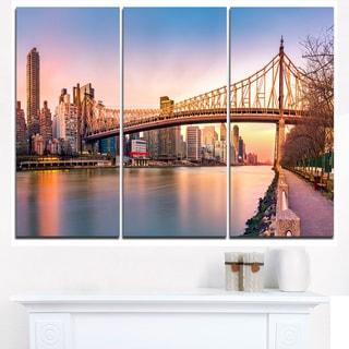 Queenboro Bridge Panorama at Sunset - Cityscape Canvas print