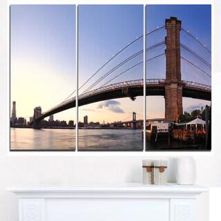 Brooklyn Bridge in New York City - Cityscape Canvas print