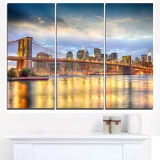 Brooklyn Bridge with Night Illumination - Cityscape Canvas print