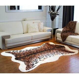 Luxe Faux-cowhide 6' x 7' El Paso Leopard Rug/Throw - multi