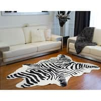 "Luxe Black/White Faux Cowhide Zebra Rug/Throw (5.25' x 7.5') - Zebra Black/White - 5'3"" x 7'6"""
