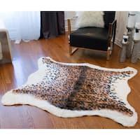 "Luxe El Paso Faux Cowhide Leopard-print Rug/Throw (4'x5') - Leopard - 4'3"" x 5'"