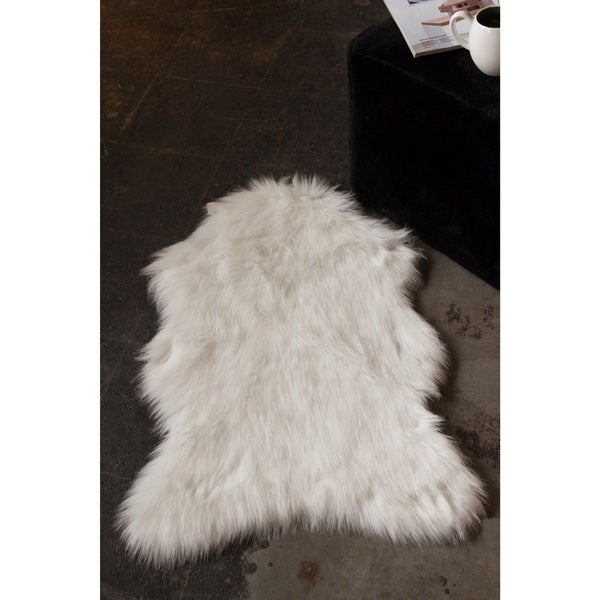 Luxe Gordon Off White 3 Feet Long X 2 Feet Wide Faux