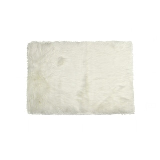 Luxe Hudson Off-white Faux Sheepskin Throw Rug (2' x 3')
