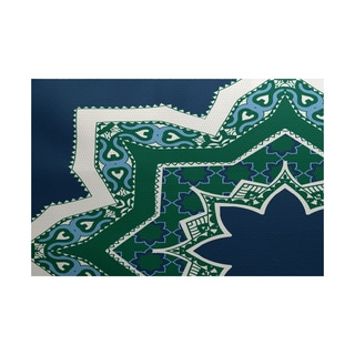 Rising Star Geometric Print Indoor/ Outdoor Rug (3' x 5')
