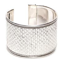 Handmade Bright Silver Art Deco Scallop Cuff (India)