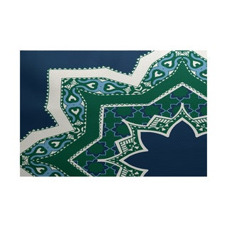 Rising Star Geometric Print Indoor/ Outdoor Rug (4' x 6')