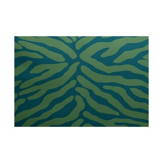 Animal Stripe Geometric Print Indoor/ Outdoor Rug (5' x 7')