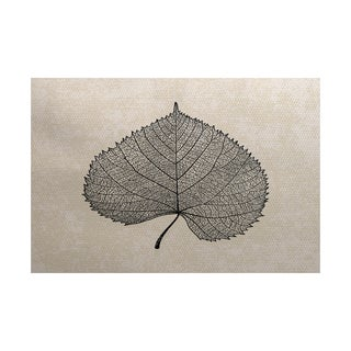 Leaf Study Floral Print Indoor/ Outdoor Rug (5' x 7')
