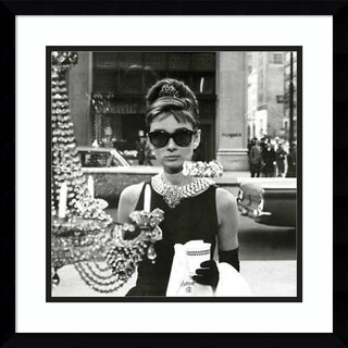 Framed Art Print 'Audrey Hepburn Breakfast at Tiffany's (Window)' 18 x 18-inch