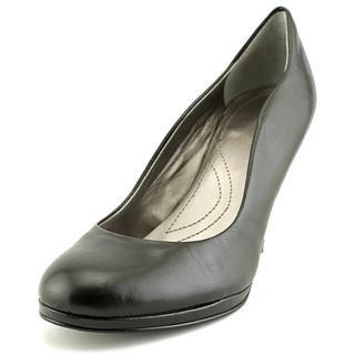 Tahari Women's 'Colette' Leather Dress Shoes
