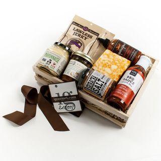 igourmet Sriracha Lovers Gift Crate