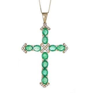 Anika and August 18k Yellow Gold Zambian Emerald and 1/5ct TDW Diamond Pendant (G-H, I1-I2)